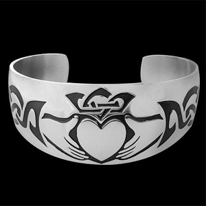 Claddagh Pledge Bracelet